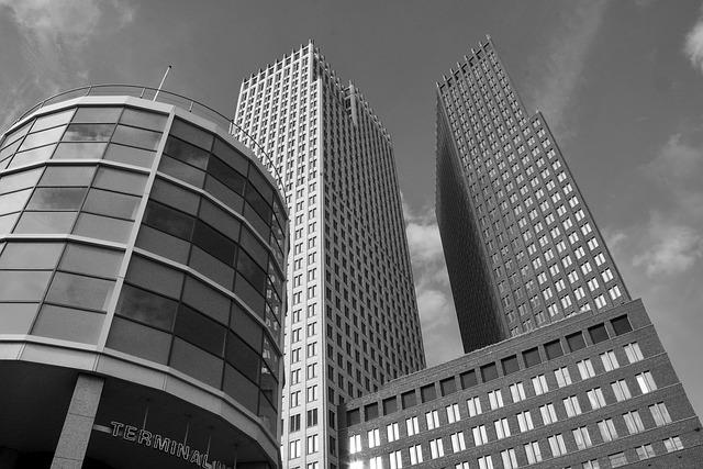 高層ビルの写真